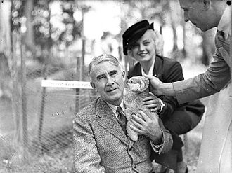 Zane Grey at Koala Park holding a koala during a visit to Australia in December 1935 Zane Grey in Australia.jpg