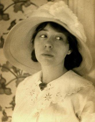 Zoe Akins - Zoe Akins in 1907
