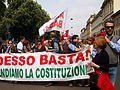 """""""Difendiamo la Costituzione"""" - Anniversario della liberazione d'Italia - Milano - 25 aprile 2011.jpg"""