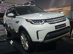 '17 Land Rover Discovery (MIAS '17).jpg