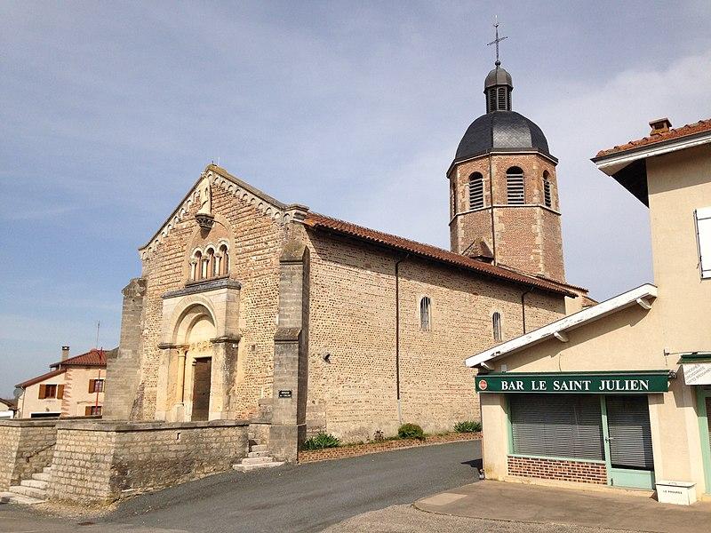 Église du village de Saint-Julien-sur-Veyle