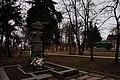 Братська могила 19 танкістів Гнівань.jpg