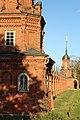 Вид на ограду Волоколаского кремля от юго-западной к юго-восточной башне.jpg