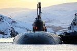 Прибытие атомного подводного ракетного крейсера Северного флота «Орёл» в пункт постоянного базирования 05.jpg