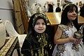 طفلة كويتية بالزي التراثي.jpg