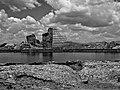 نمای سیاه و سفید دریاچه تخت سلیمان.jpg