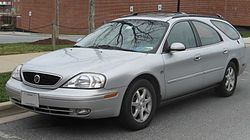00-03 Mercury Sable wagon front.jpg