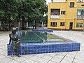 059 Pl. Montserrat Roig, amb la coberta que tapa el safareig (Santa Coloma de Gramenet).jpg