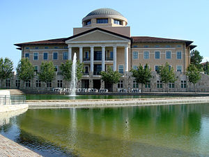 English: Founders Hall, Soka University of Ame...