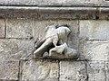 11 Falcó engrapant un ocell, font de Sant Just.JPG