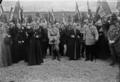 15-7-23, Dormans, anniversaire de la 2e victoire de la Marne, (de gauche à droite) Mgr Dubois, Mangin, Mgr Rémond, Général Pau, bénédiction des tombes.png