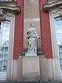 17.1 Weibliche Figur Theaterflügel Neues Palais Sanssouci Steffen Heilfort.JPG