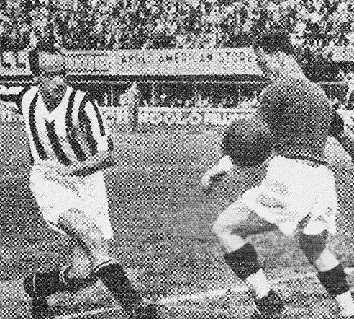 File 1934 35 Serie A Giovanni Ferrari Scoring For Juventus V Fiorentina In Florence Jpg Wikimedia Commons