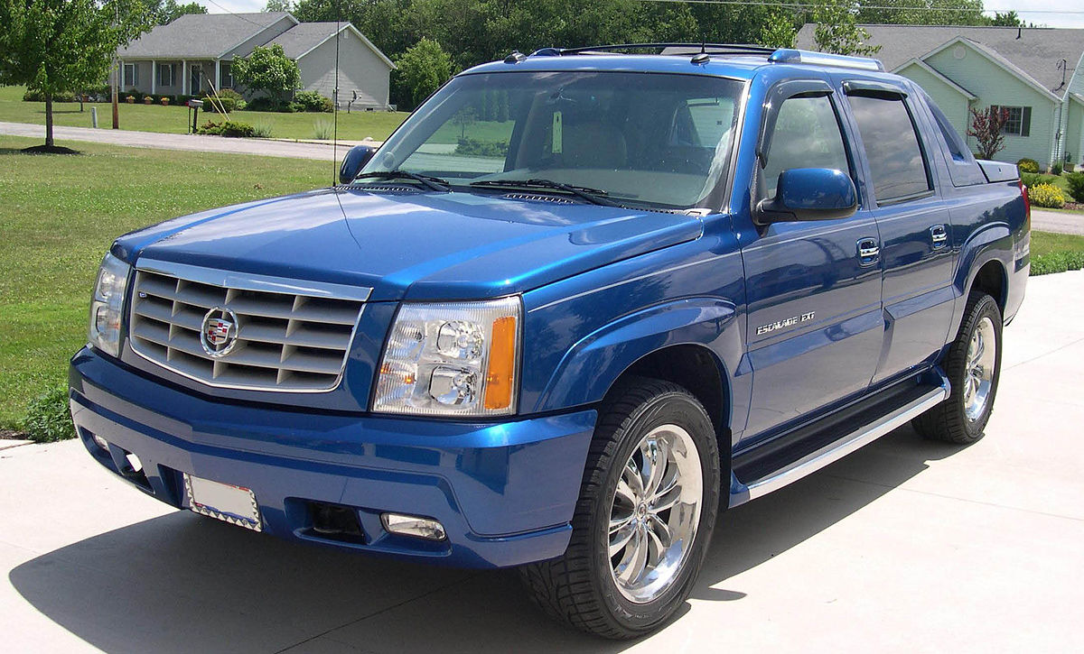 2003 Cadillac Escalade EXT.JPG