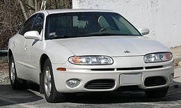 2003 Oldsmobile Aurora.jpg