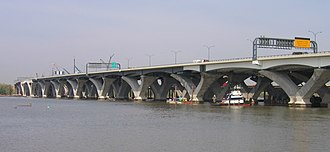 Interstate 495 (Capital Beltway) - Woodrow Wilson Bridge carrying I-95/I-495 over the Potomac River between Alexandria, Virginia and Oxon Hill, Maryland (2007)