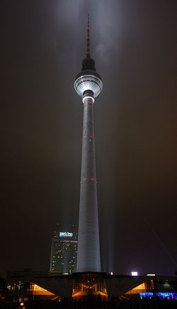 2009-10-23 - Festival of Lights - Fernsehturm 2.JPG