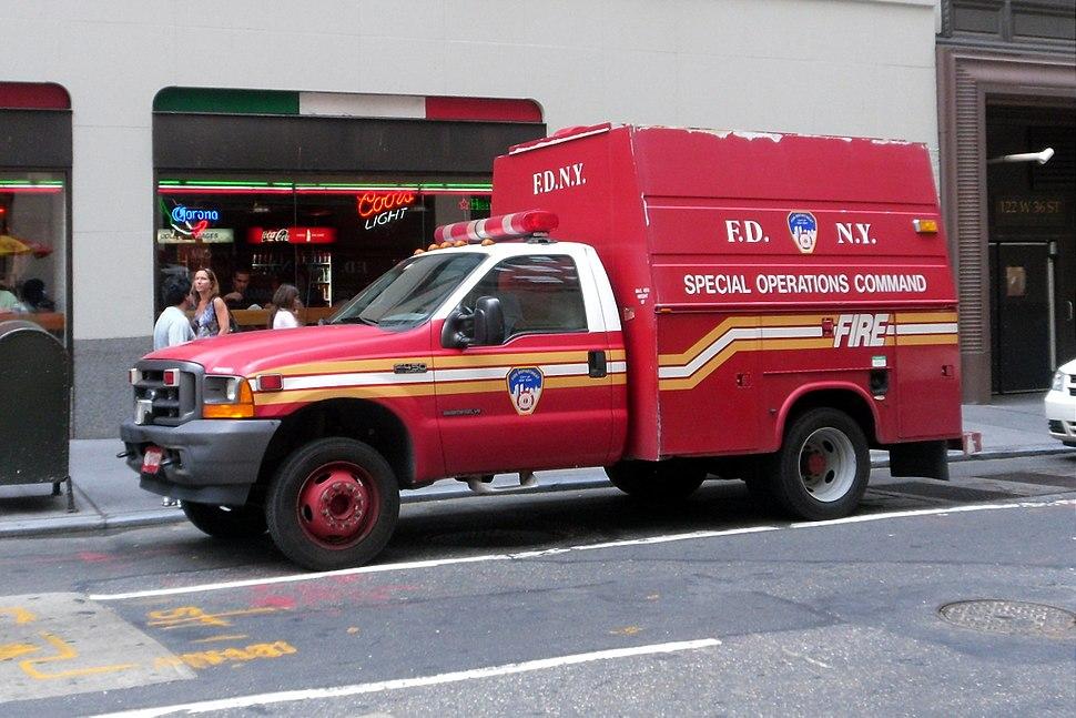 2011-NYC-FDNY-truck-F450