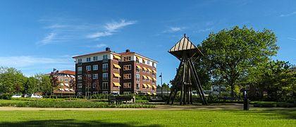 20130604 Appartementencomplexen en klokkenstoel Dilgtweg Haren Gn NL (1).jpg