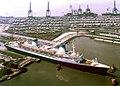 2016 05 01 Norway ex France verläßt Lloyd Werft nach Umbau zu Kreuzliner IMG 7098.jpg