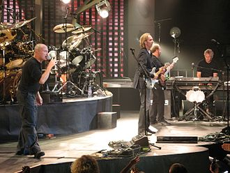 "Throwing It All Away - Genesis performing ""Throwing it All Away"" in Pittsburgh, Mellon Arena, 9 September 2007"
