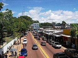 2da avenida mas importante de pto.ayacucho la 23 de enero-venezuela.jpg