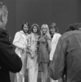 ABBA - TopPop 1974 7.png