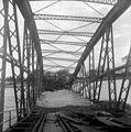 A felrobbantott Zákányi (Gyékényesi) vasúti híd a Dráván. Fortepan 26979.jpg
