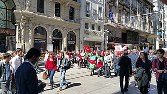 Armenian Genocide denial - A protest against Armenian Genocide recognition on the 100th anniversary on Istiklal Avenue, Istanbul