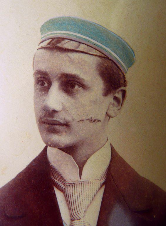 Adolf Hoffmann-Heyden -- Dueling scar