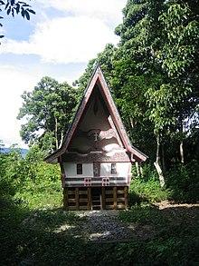 Ahnenhaus der Batak Toba.jpg
