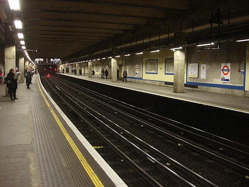 Aldgate East tube station 055