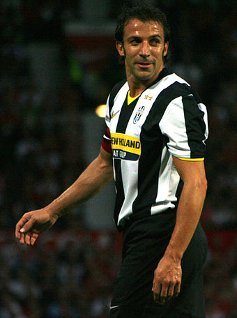 Alessandro Del Piero made a record 705 appearances for Juventus c25d6e05f