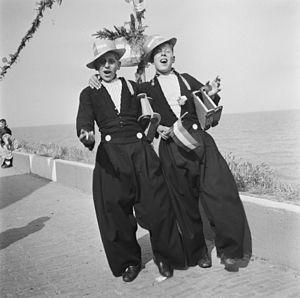 Emmy Andriesse - Image: Andriesse Emmy Volendam 1945