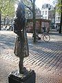 Anne Frank beeld Westerkerk (11).jpg