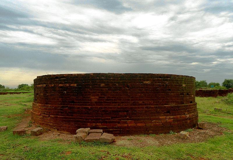 File:Apsidal stupa at Thotlakonda Monastic Complex.JPG