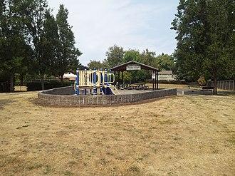 Ardenwald-Johnson Creek, Portland, Oregon - Image: Ardenwald Park, Milwaukie, Oregon, 2015