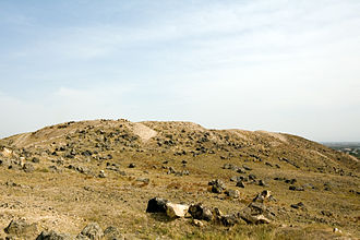 Argishtikhinili (ancient city) - View of mound above the ruins of Argishtikhinili