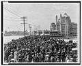 Atlantic City Boardwalk crowd in front of Blenheim hotel 1911 re-retouched.jpg