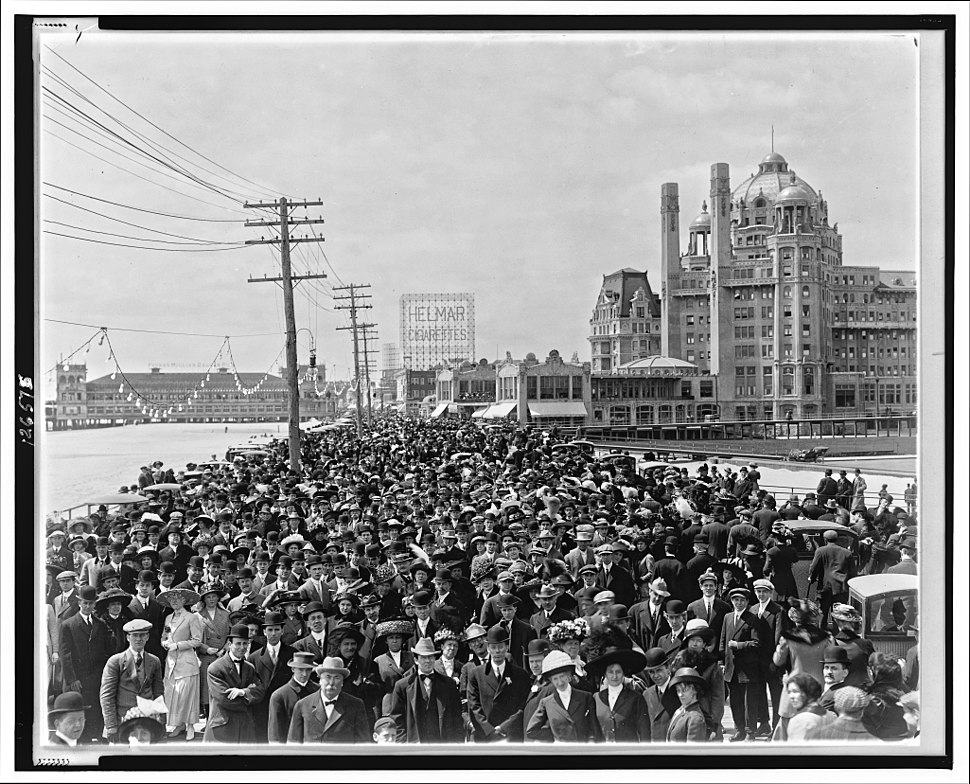 Atlantic City Boardwalk crowd in front of Blenheim hotel 1911 re-retouched
