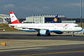 Austrian Airlines, OE-LBE, Airbus A321-211 (16430552346).jpg