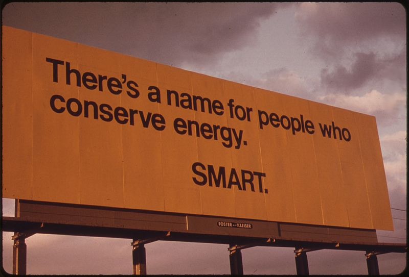 File:BILLBOARD ADVISING PASSING MOTORISTS OF THE SERIOUSNESS OF THE ENERGY SHORTAGE IN OREGON DURING THE FALL OF 1973.... - NARA - 555380.jpg