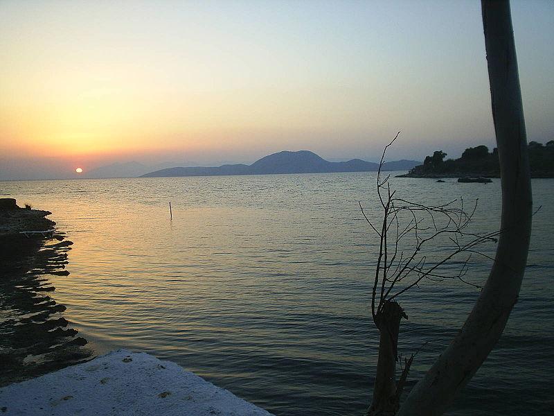 800px Bafa lake4
