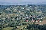 Balatoncsicsó látképe légi fotón.jpg
