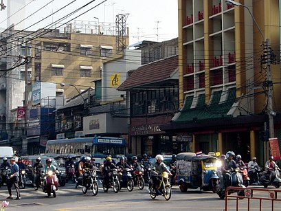 How to get to ถนนจักรวรรดิ with public transit - About the place