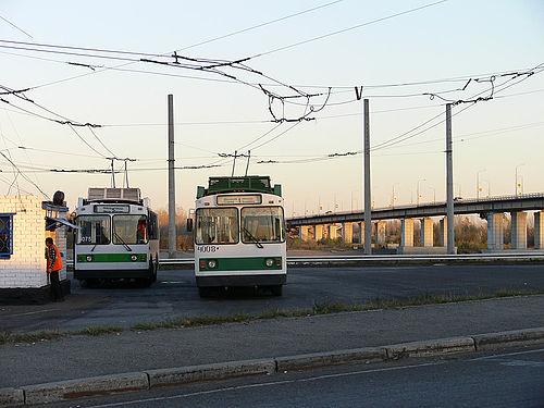 остановка троллейбусов на