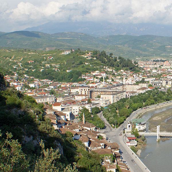 Plik:Berat City Center.jpg