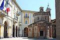 Biella battistero-municipio.jpg