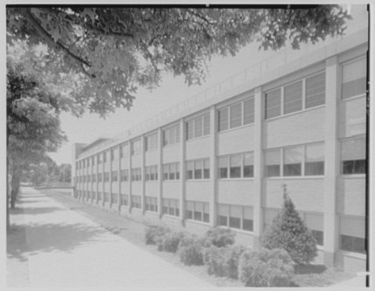 Bishop Reilly High School, Francis Lewis Blvd. and Queens Expressway, Jamaica, Long Island. LOC gsc.5a28860