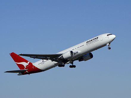 The Boeing 767 replaced the Boeing 707. This example is in Qantas livery. Boeing 767-338-ER, Qantas AN0398522.jpg